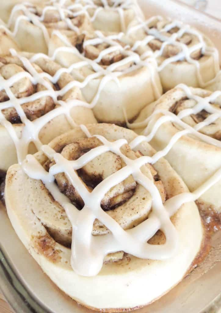 Caramel Apple Cinnamon Rolls With Brown Sugar Cream Cheese Frosting ...