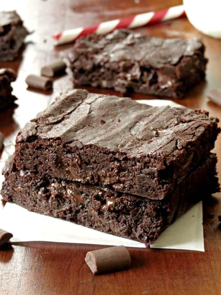 Chocolate Chunk Fudge Brownies - Sprinkle Some Sugar