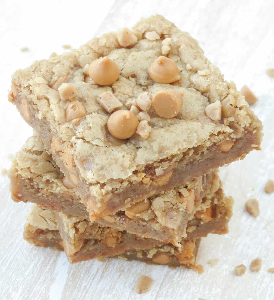 Butterscotch Toffee Blondies - Sprinkle Some Sugar