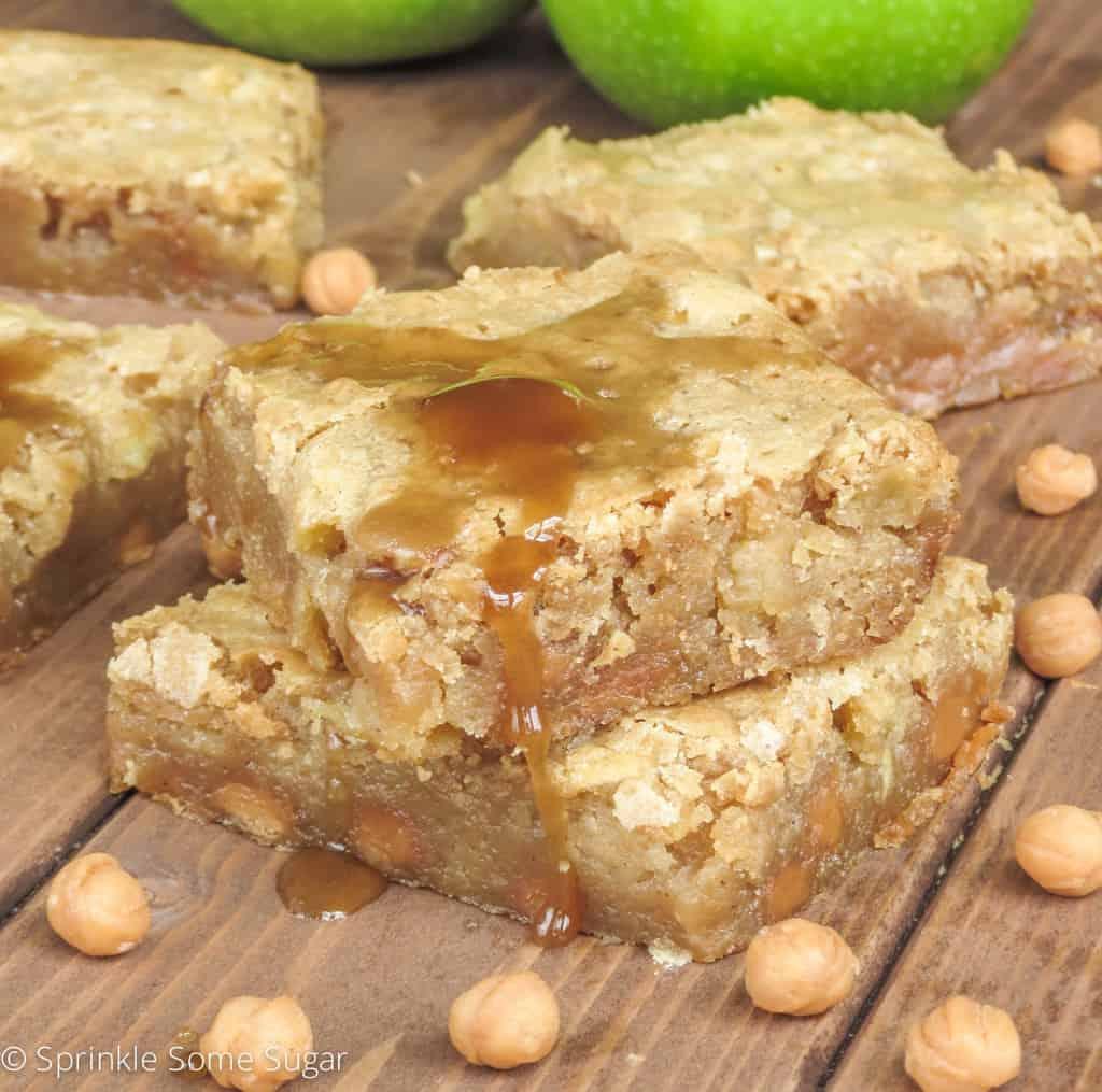 Caramel Apple Blondies - Sprinkle Some Sugar