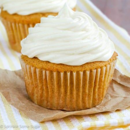 My Favorite Pumpkin Spice Cupcakes - Sprinkle Some Sugar