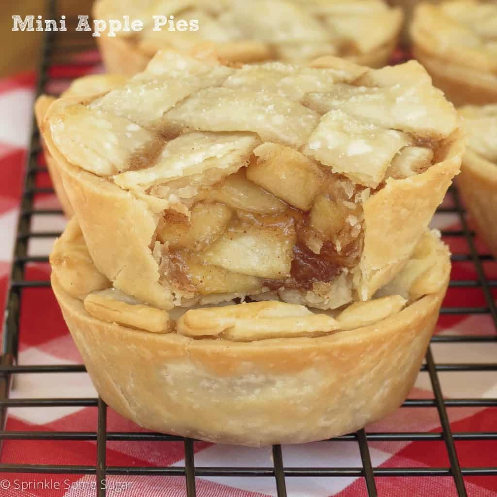 Mini Apple Pies - Sprinkle Some Sugar