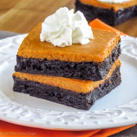 Pumpkin Pie Brownies - Sprinkle Some Sugar