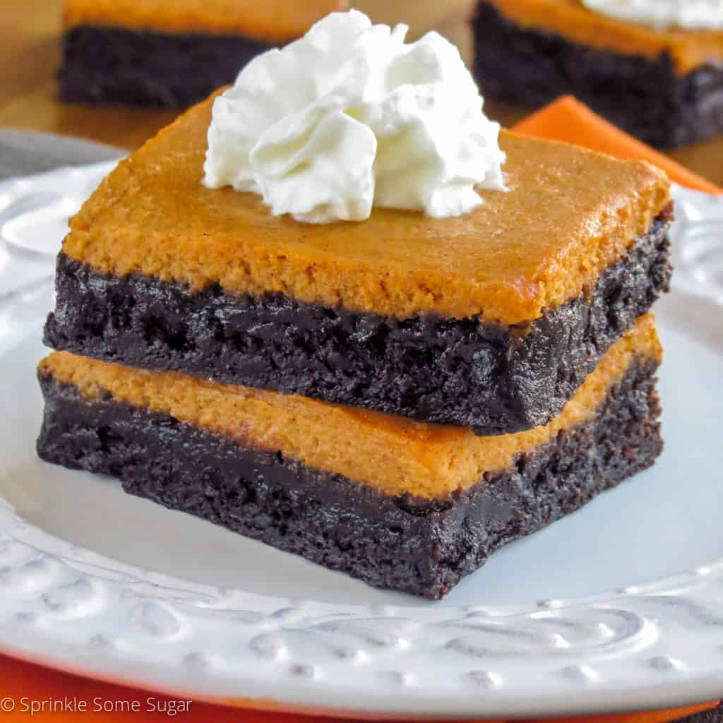 Pumpkin Pie Brownies - Sprinkle Some Sugar