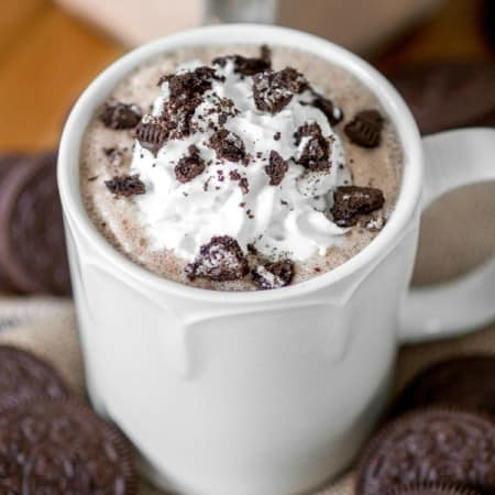 Cookies and Cream Hot Chocolate - Sprinkle Some Sugar