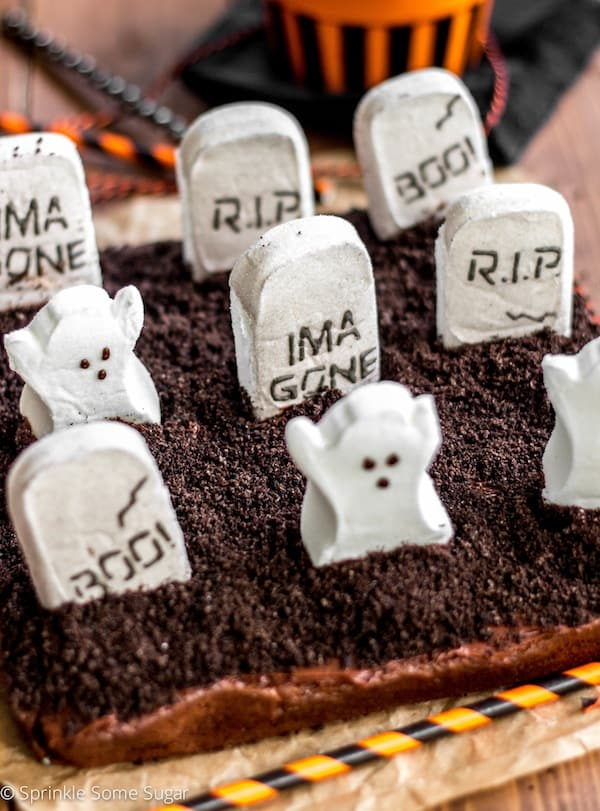 Graveyard Brownies - Sprinkle Some Sugar