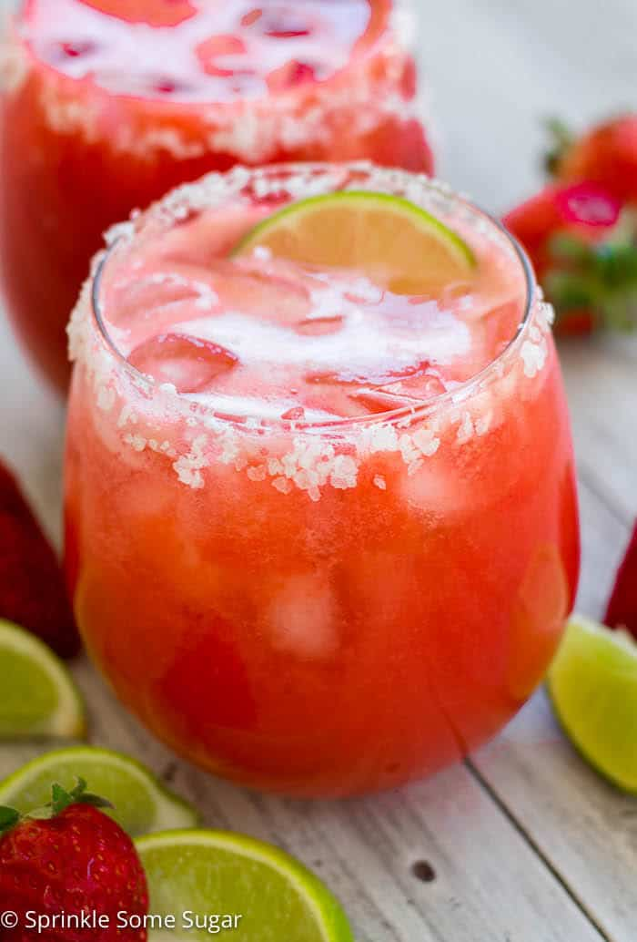 Fresh Strawberry Margaritas - Strawberry margaritas that use fresh strawberries for a fun, refreshing drink!