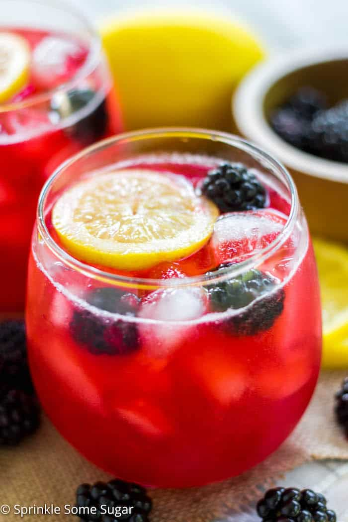 Homemade Blackberry Lemonade - Enjoy some 'me time' this Summer while flipping through your favorite magazine {Cooking Light is my choice!) and sip on this homemade blackberry lemonade!
