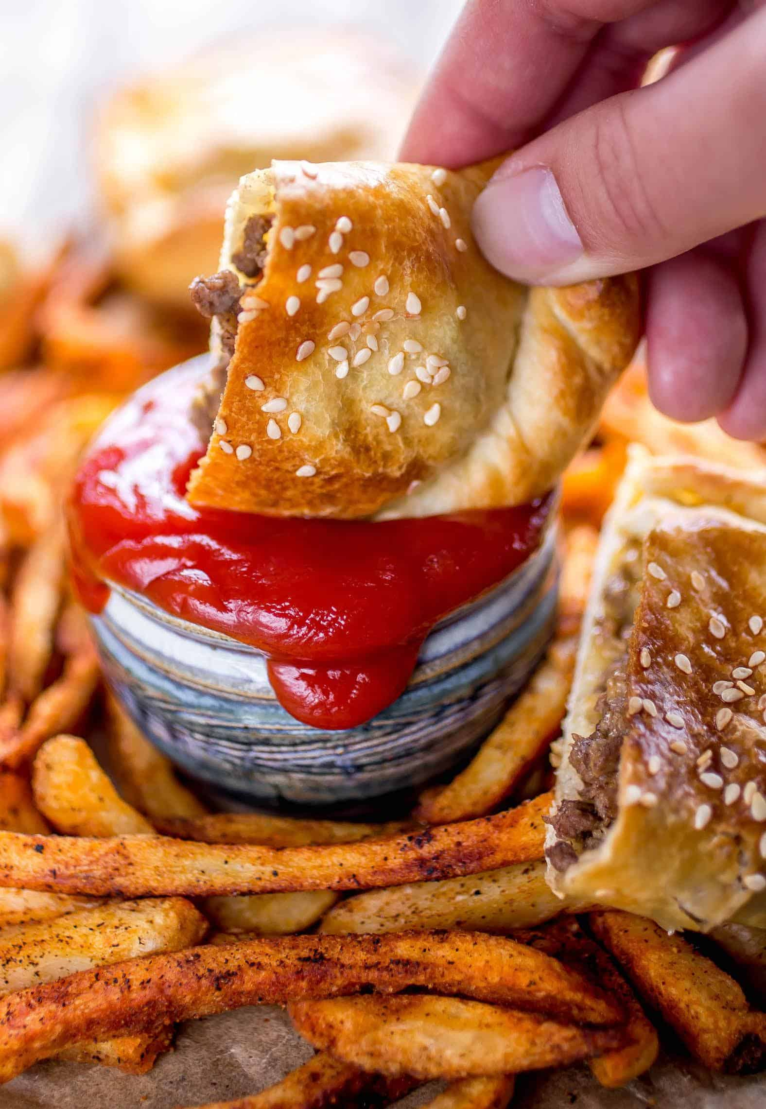 Bacon Cheeseburger Pockets - These cheeseburger pockets are such a fun twist on the traditional cheeseburger, using super delicious and flaky Wewalka puff pastry dough for the bread!