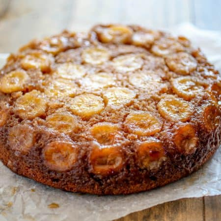 Spiced Upside Down Banana Cake - Lightly spiced and topped with fresh bananas and caramelized brown sugar, this Banana Upside Down Cake is sure to be a winner.