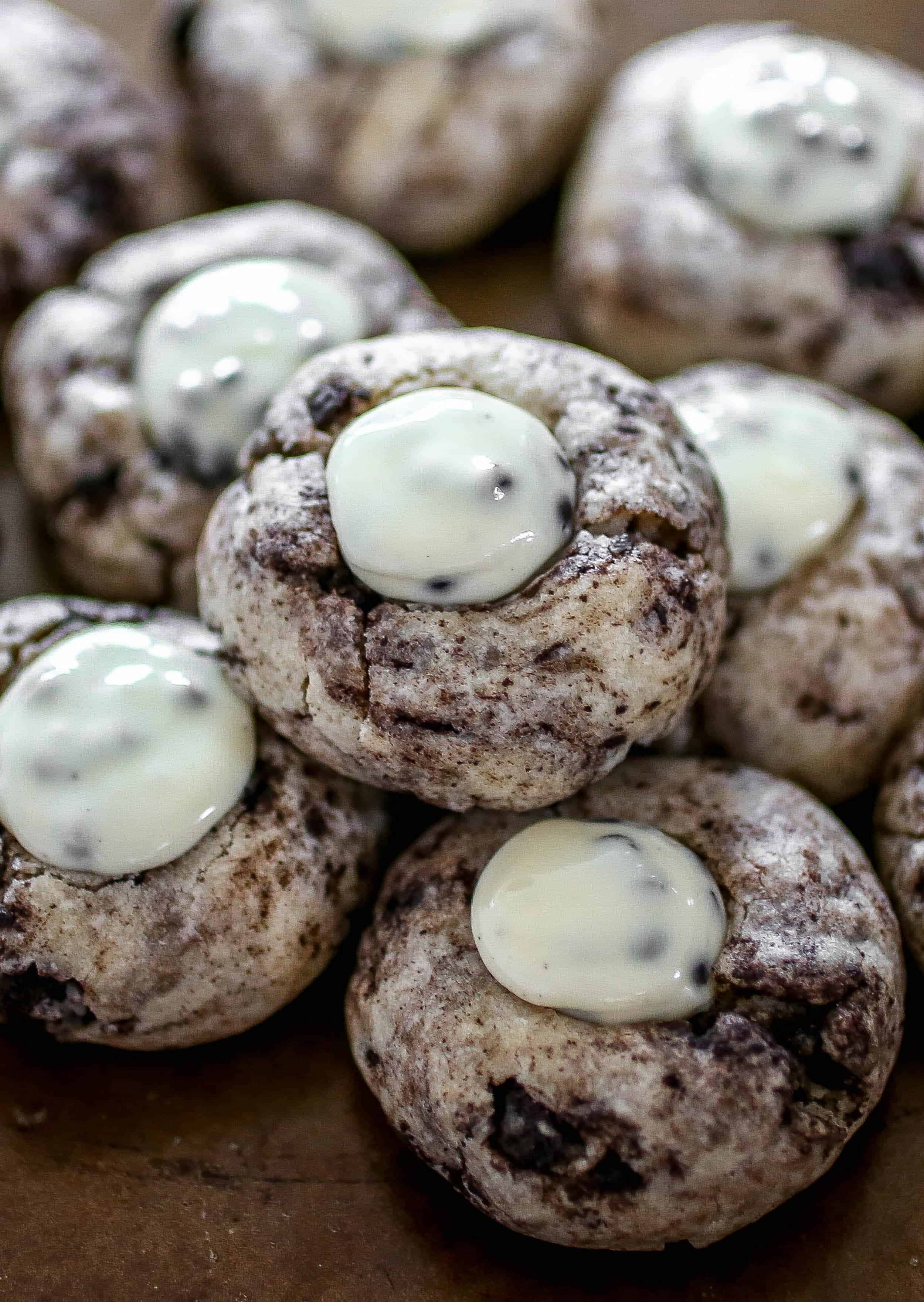 Cookies and Cream Blossoms - A new twist on the classic blossom cookie with cookies and cream flavor!