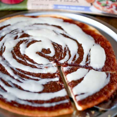 Cinnamon Roll Dessert Pizza - Sprinkle Some Sugar