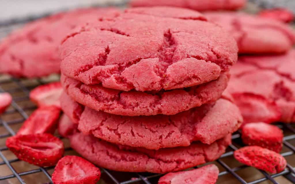 Strawberry Sugar Cookies - Sprinkle Some Sugar