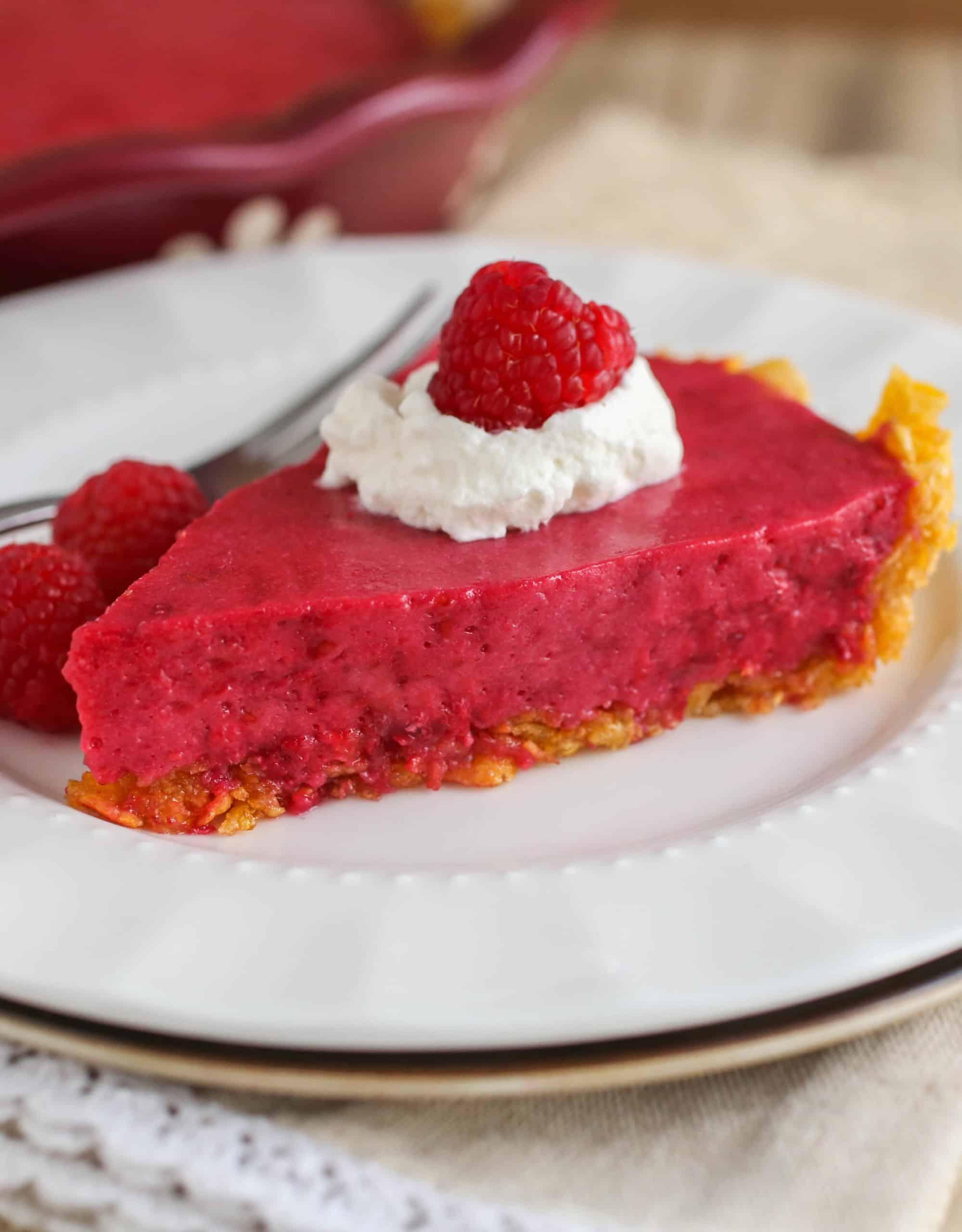 No-Bake Raspberry Ice Cream Pie - Sprinkle Some Sugar